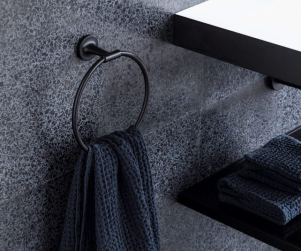 01_Starck_T_towel_ring_Black_Matt