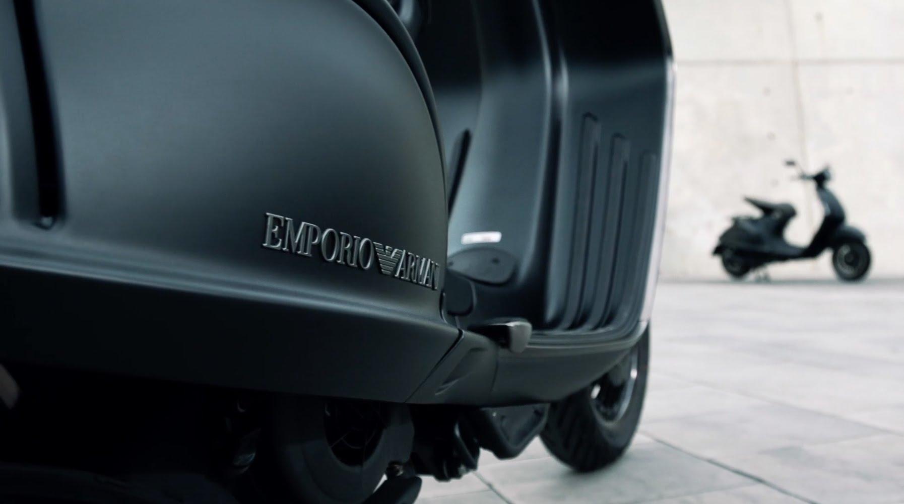 Vespa 946 Emporio Armani special edition