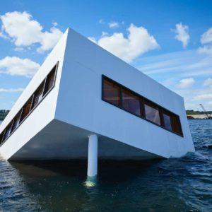 Flooded modernity - instalacja Asmunda Mikkelsena