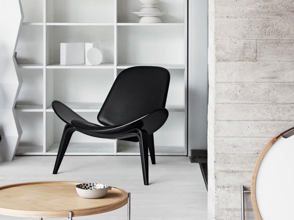 CH07 Shell Lounge Chair | Hans Wegner | © Carl Hansen & Son