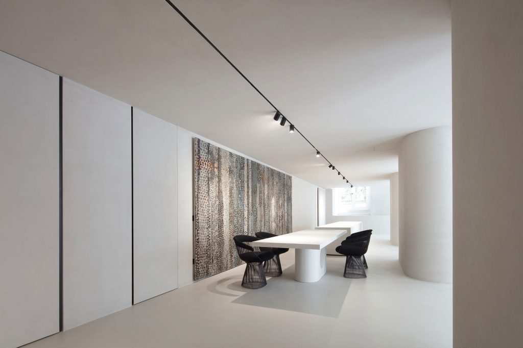 Elisa Ossino Studio - Amini Showroom 02