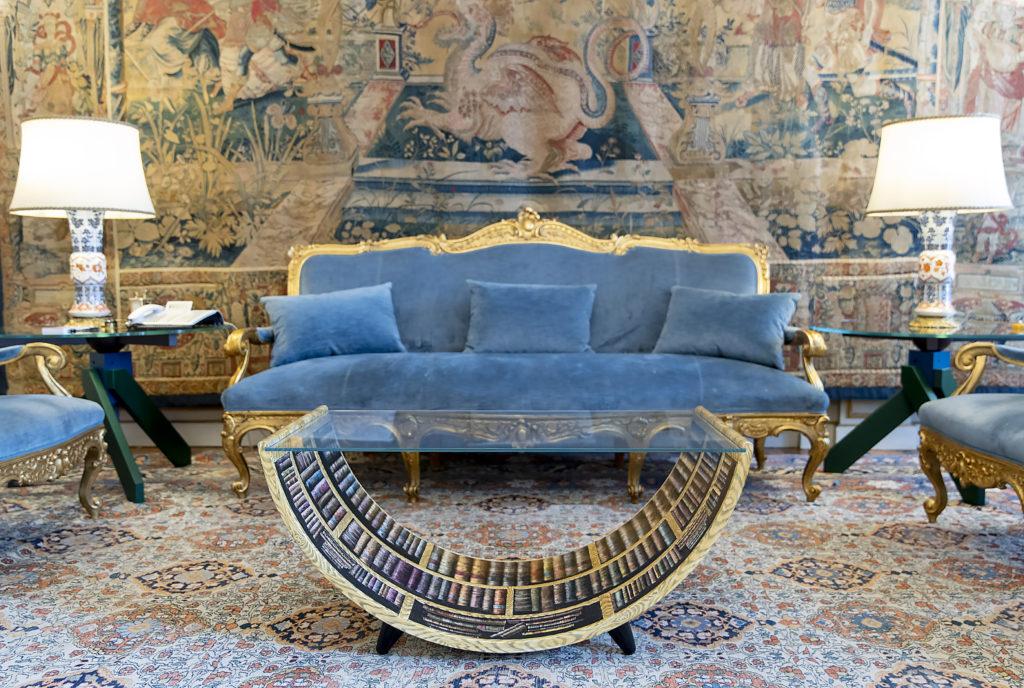 cultore meble Fornasetti curved table Libri, Palazzina del Fuga_ph courtesy Quirinale