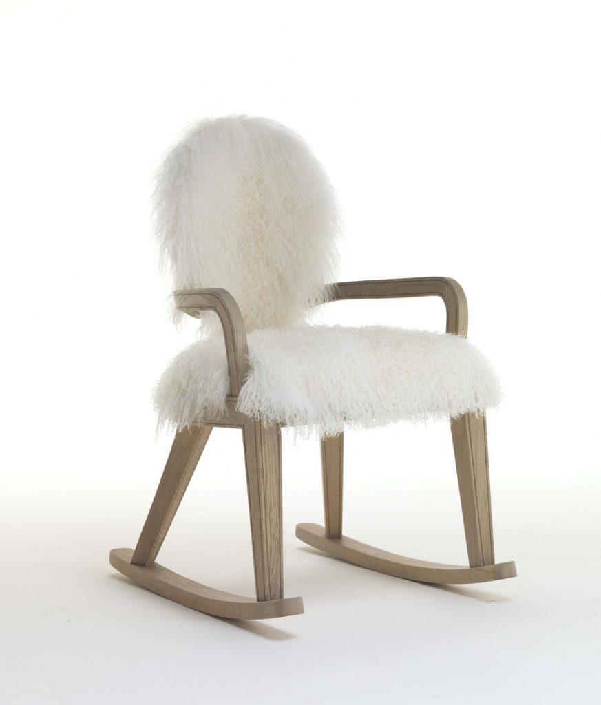 meble inspirowane zimą Fratelli Boffi - Monarch - rocking chair - design Archer Humphryes Architects4