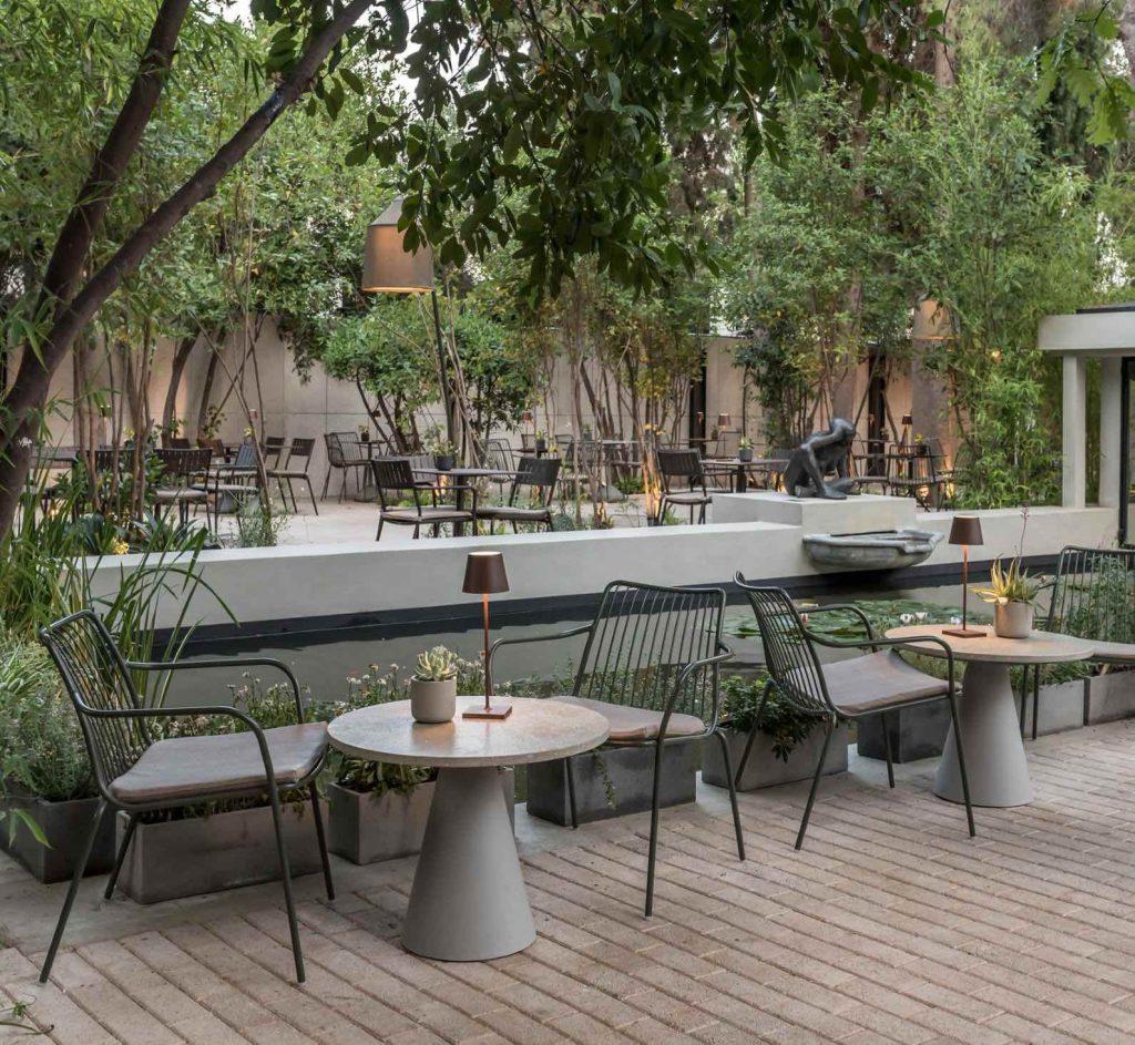 Restauracja Natu przy Muzeum Historii Naturalnej w Atenach