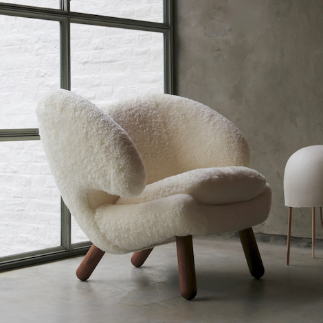 Pelican Chair | Finn Juhl | © House of Finn Juhl