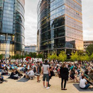 Kino Letnie na Placu Europejskim