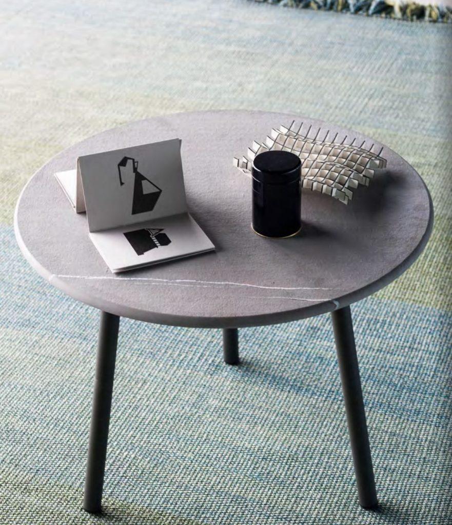 PIPER Side Table Smoke + Top in Farsena Stone TINT Rug Blueen Roda meble do ogrodu