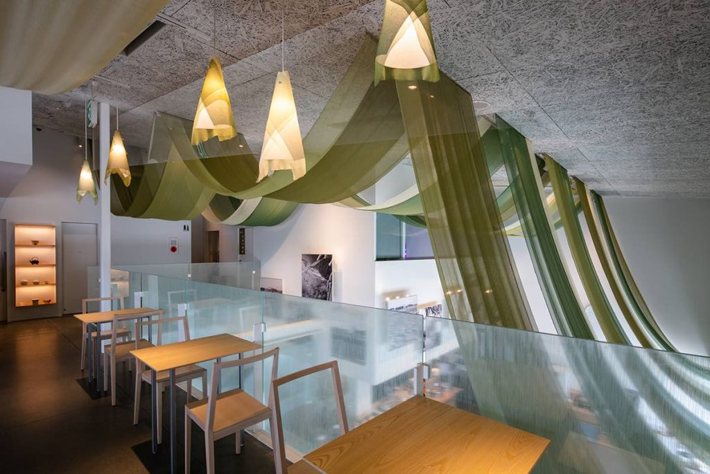 Sakai Riverside Restaurant Cha-Gura | © Photography by Kawasumi・Kobayashi Kenji Photograph Office