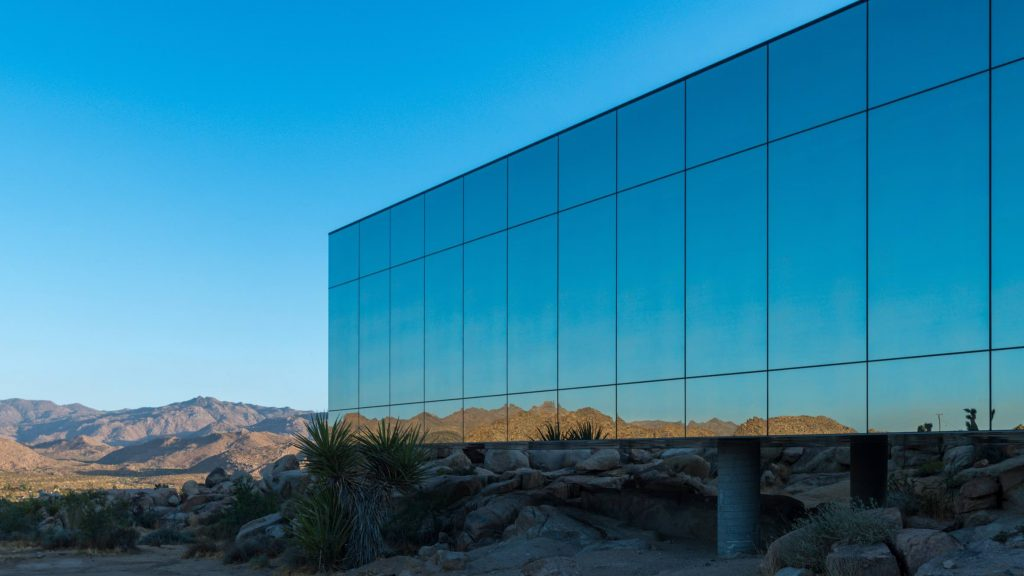 architektura los angeles invisible-house-james-whitaker08