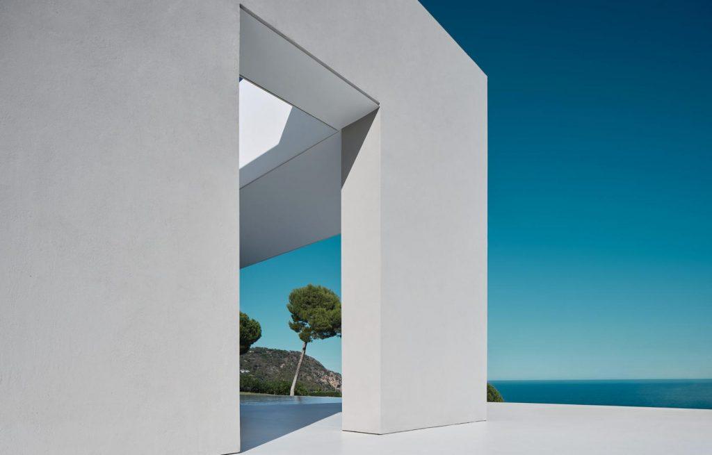 biały minimalizm costa brava 04