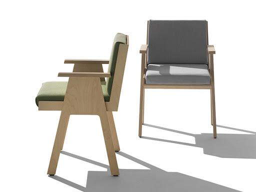 Fotel Club44 marki AgapeCasa, projekt: Angelo Mangiarotti