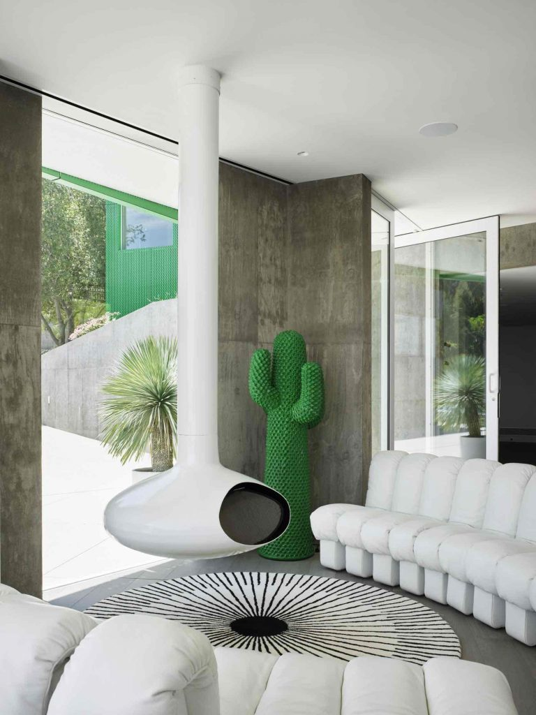 envelope-hollywood_hills-kolorowy dom 07
