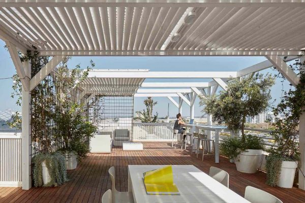 hospitality-contract-design-outdoor-furniture-tables-chairs-kes-jut-buratti-brothers-Shira-Lavi-BD-Shai-Gil-vondom-7