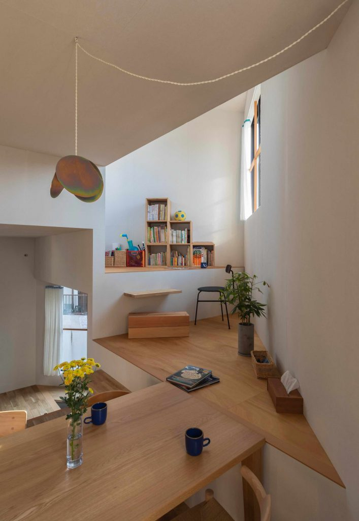 house-in-takatsuki-tato-architects wielopoziomowy dom 05