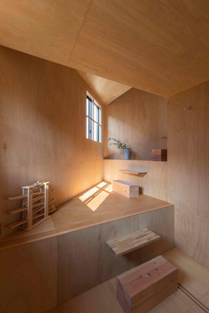 house-in-takatsuki-tato-architects wielopoziomowy dom 06