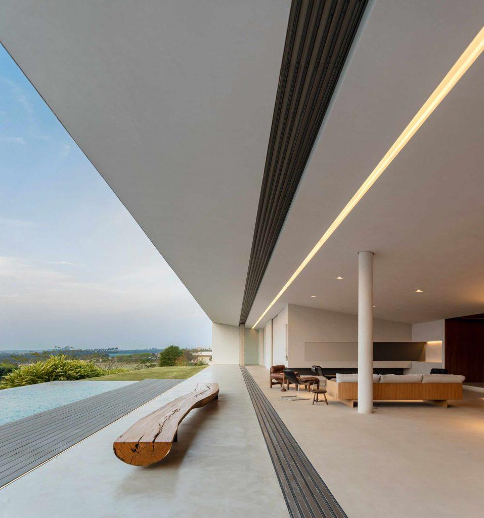 jy-house-studio-arthur-casas-z polem golfowym 11
