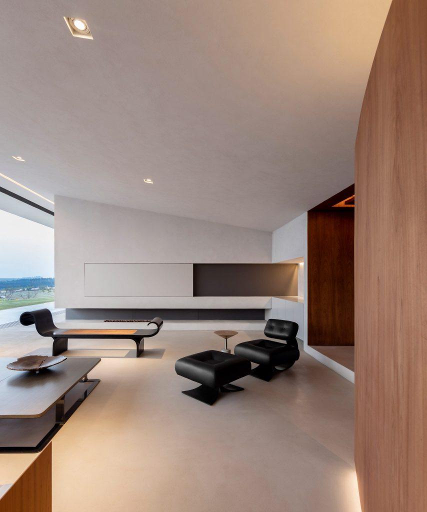 jy-house-studio-arthur-casas-z polem golfowym 12