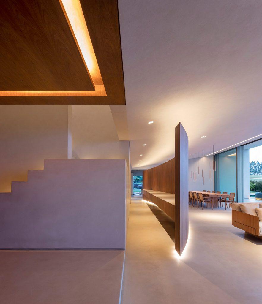 jy-house-studio-arthur-casas-z polem golfowym 13