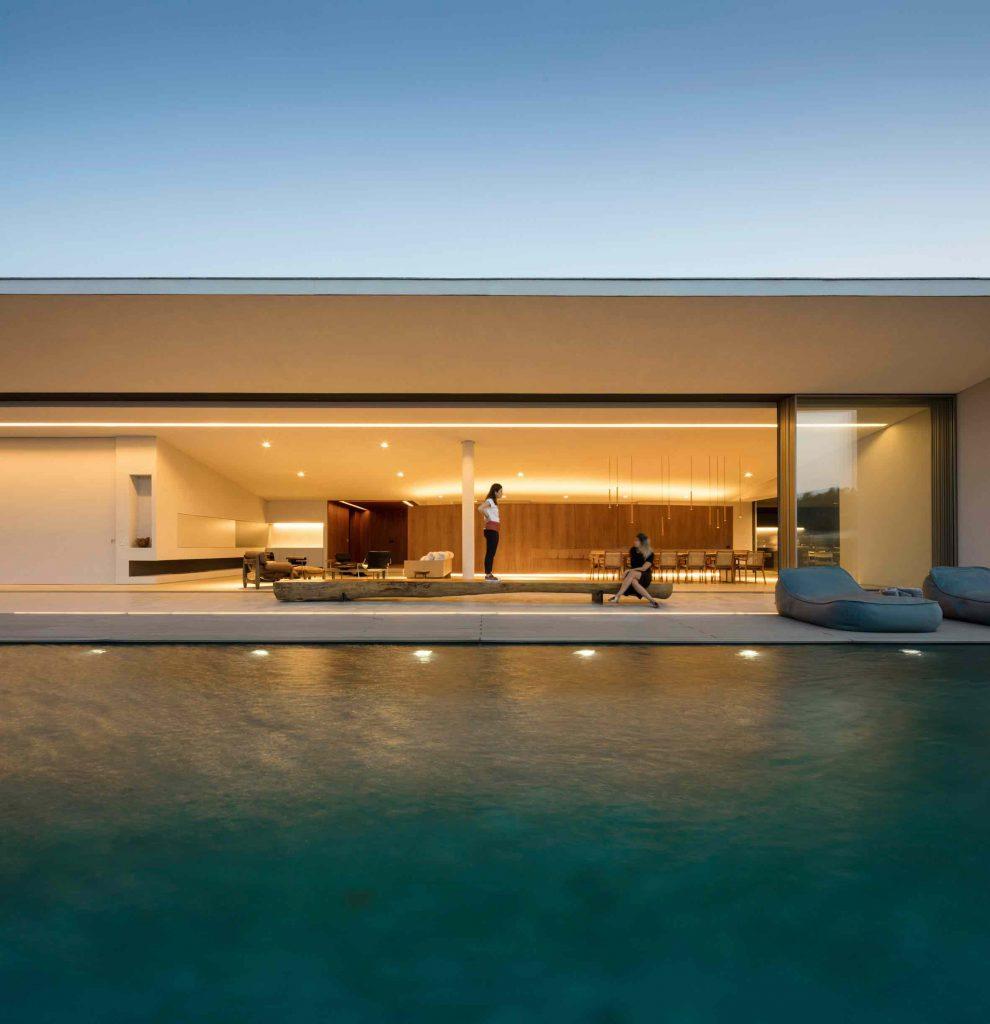 jy-house-studio-arthur-casas-z polem golfowym 15