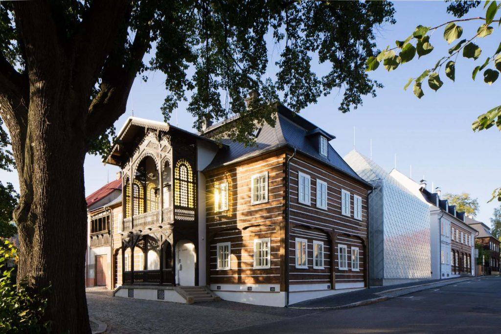 lasvit-headquarters-novy-bor-ov-a-architekti-studio_ szklany dom 02