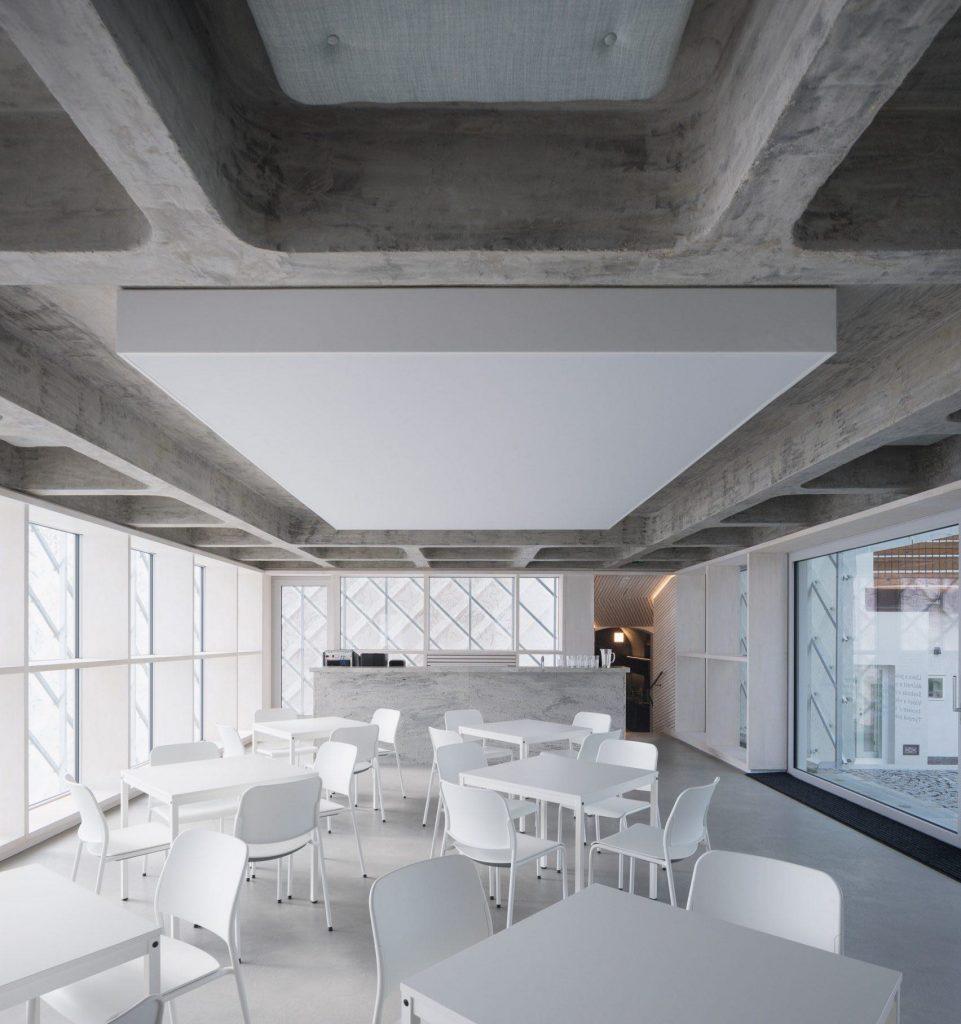lasvit-headquarters-novy-bor-ov-a-architekti-studio_ szklany dom 03