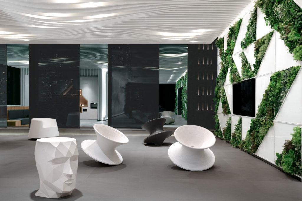 luxuary-outdoor-furniture-stool-armchair-adan-teresa-sapey-roulette-eero-aarnio-vondom