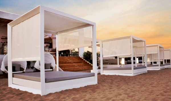 luxury-outdoor-design-furniture-sofas-daybed-tayga-beach-club-italy-4