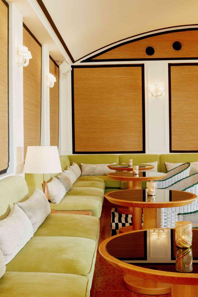 palm-heights-grand-cayman-beach-hotel-gabriella-khalil styl karaibskiej rezydencji z lat 70. 02