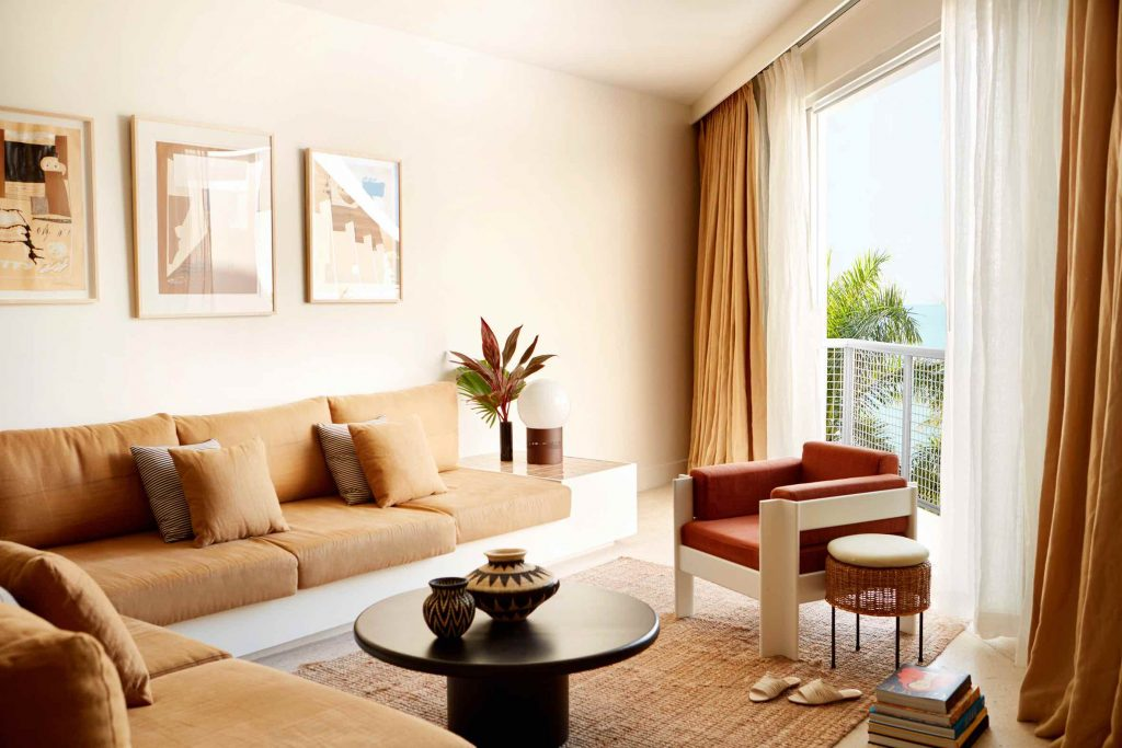palm-heights-grand-cayman-beach-hotel-gabriella-khalil styl karaibskiej rezydencji z lat 70. 15