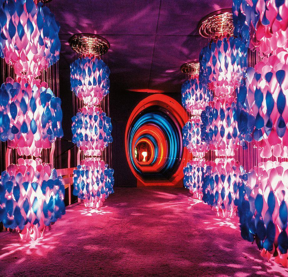 verner_panton_visiona_2_phaidon_light_room