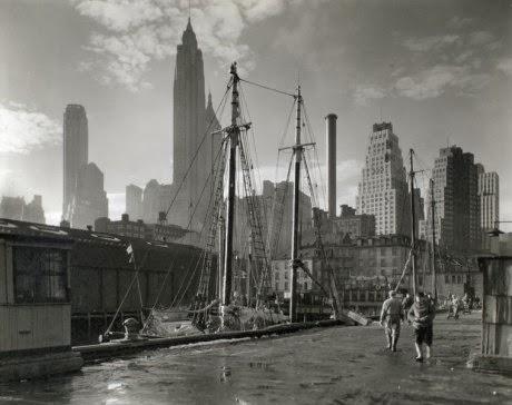 Delirytczny Nowy Jork autorstwa Rema Koolhaasa.
