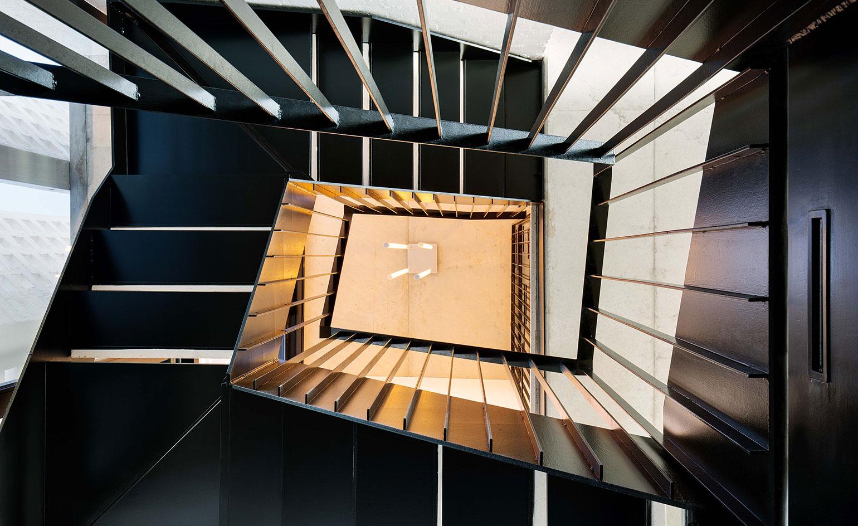 Architektura grająca ze światłem w Restio River House