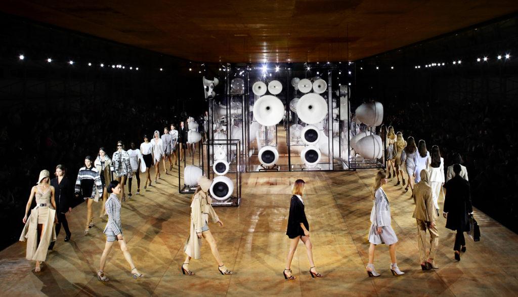 teatr mody burberry
